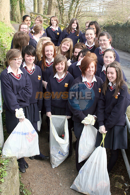 Sacred Heart 2nd Year Students doing a clean up of the area around their school...Photo NEWSFILE/Jenny Matthews.(Photo credit should read Jenny Matthews/NEWSFILE)....This Picture has been sent you under the condtions enclosed by:.Newsfile Ltd..The Studio,.Millmount Abbey,.Drogheda,.Co Meath..Ireland..Tel: +353(0)41-9871240.Fax: +353(0)41-9871260.GSM: +353(0)86-2500958.email: pictures@newsfile.ie.www.newsfile.ie.FTP: 193.120.102.198.