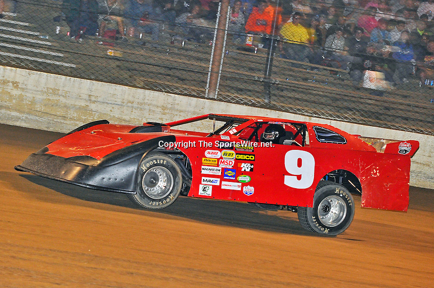 Sep 9, 2011; 10:30:16 PM; Rossburg, OH., USA; The 41st annual running of the World 100 Dirt Late Models racing for the Globe trophy at the Eldora Speedway.  Mandatory Credit: (thesportswire.net)