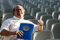 Lo scrittore cileno Antonio Skarmeta ritratto a Roma, 16 giugno 2011, in occasione del Festival Internazionale delle Letterature..Chilean writer Antonio Skarmeta portrayed in Rome, 16 june 2011, in occasion of the International Literature Festival..UPDATE IMAGES PRESS/Riccardo De Luca