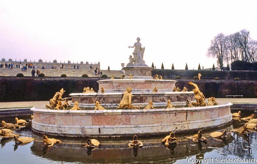 Versailles: Latona Basin.