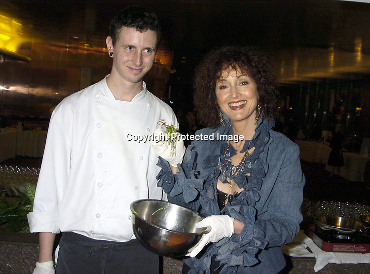 Jesse Hinkson and Robin Strasser ..at The Feast with Famous Faces benefitting The League for The Hard of Hearing on September 26, 2005 at JP Morgan Chase Dining Room. ..Photo by Robin Platzer, Twin Images