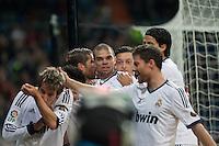 Coentrao, Pepe, Ozil, Sergio Ramos, Khedira, Alonso, celebrates Coentrao goal