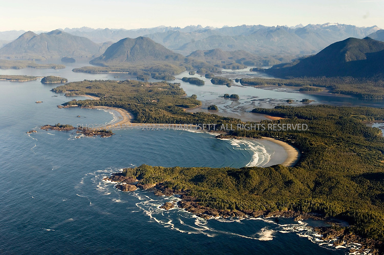 9/26/2006--Tofino, British Columbia, Canada..An aerial view of Chesterman beach anbd Cox Cove (foreground)..Photograph By Stuart Isett.All photographs ©2006 Stuart Isett.All rights reserved.