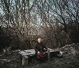 Alexandra Nikolaejwna ist 70 Jahre alt. Sie baut gemüse an und singt in der Folklore Gruppe des Dorfes. Auch ihr Haus wurde im Krieg mehrmals beschossen.