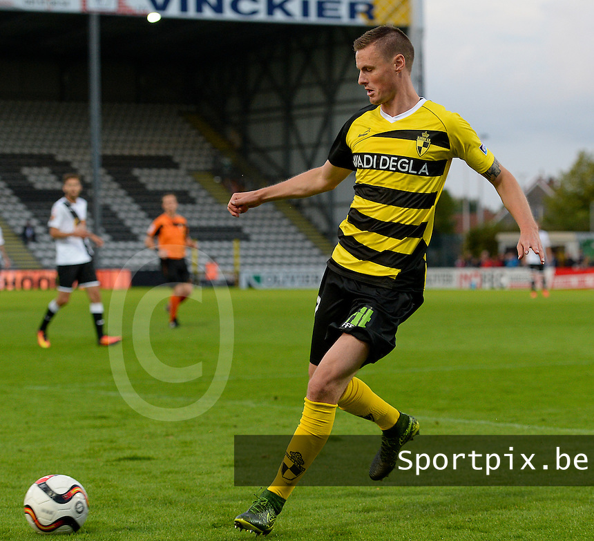 20160805 - ROESELARE , BELGIUM : Lierse's Koen Weuts pictured during a soccer game between KSV Roeselare and Lierse SK during the first matchday of the Proximus League 1B in the 2016-2017 season , friday 5 August 2016 , at stadion Schiervelde in Roeselare . PHOTO David Catry | Sportpix.Be