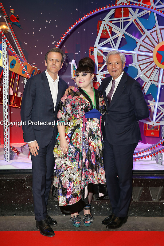 GUILLAUME HOUZE, BETH DITTO, PHILIPPE HOUZE (PRESIDENT DU DIRECTOIRE DU GROUPE GALERIES LAFAYETTE) - INAUGURATION DES DECORATIONS DE NOEL AUX GALERIES LAFAYETTE HAUSSMANN A PARIS, FRANCE, LE 08/11/2017.