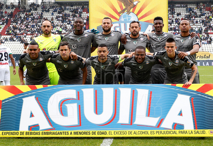MANIZALES-COLOMBIA, 20-04-2019: Jugadores de La Equidad, posan para una foto, antes de partido de la fecha 17 entre Once Caldas y La Equidad, por la Liga Águila I 2019, jugado en el estadio Palogrande de la ciudad de Manizales. / Players of La Equidad, pose for a photo, prior a posponed match of the 17th date between Once Caldas and La Equidad, for the Aguila Leguaje I 2019 played at the Palogrande stadium in Manizales city. / Photo: VizzorImage / Santiago Osorio / Cont.