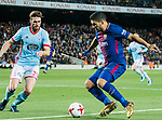 Luis Alberto Suarez Diaz (R) of FC Barcelona competes for the ball with Sergi Gomez Sola of RC Celta de Vigo during the Copa Del Rey 2017-18 Round of 16 (2nd leg) match between FC Barcelona and RC Celta de Vigo at Camp Nou on 11 January 2018 in Barcelona, Spain. Photo by Vicens Gimenez / Power Sport Images