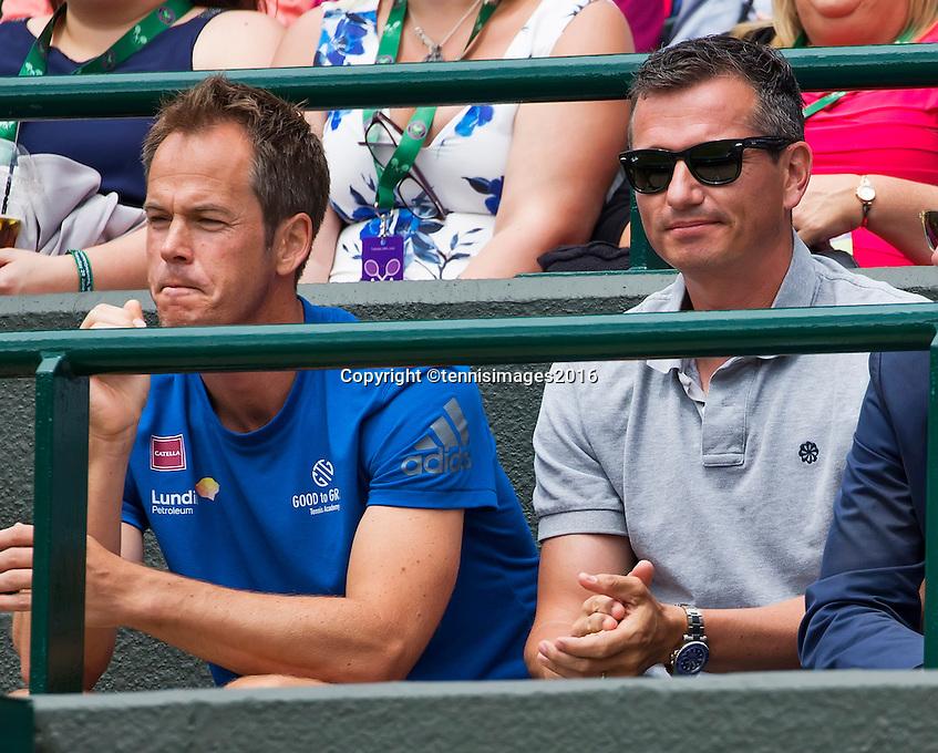 London, England, 28 june, 2016, Tennis, Wimbledon, Richard Krajicek (NED) coach of Stanislas Wawrinka (SUI) left Magnus Norman<br /> Photo: Henk Koster/tennisimages.com