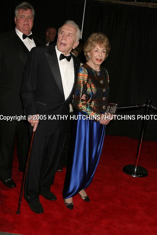 ©2005 KATHY HUTCHINS /HUTCHINS PHOTO.PALM SPRINGS FILM FESTIVAL GALA.PALM SPRINGS, CA.JANUARY 8, 2005..KIRK AND ANNE DOUGLAS