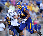 BROOKINGS, SD - AUGUST 31:  Cam Jones #85 from South Dakota State University breaks into the secondary against Butler in the second quarter Saturday evening at Coughlin Alumni Stadium in Brookings. (Photo by Dave Eggen/Inertia)