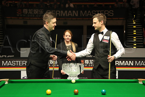 3rd February 2019, Berlin, Germany; Snooker Berlin German Masters in Tempodrom;  Final Kyren Wilson shakes hands with competitor David Gilbert
