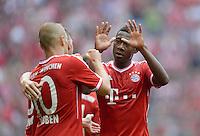 Fussball  1. Bundesliga  Saison 2013/2014  3. Spieltag FC Bayern Muenchen - 1. FC Nuernberg       24.08.2013 JUBEL FC Bayern Muenchen; David Alaba (re) klatscht den Torschuetzen zum 2-0 Arjen Robben ab