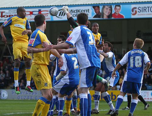 05/04/2010. Gillingham keeper Alan Julian fists away a second half Southene corner kick. Division 1 match - Gillingham v Southend United at Gillingham, Kent, England, UK