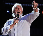 NASHVILLE, TN - JUNE 09:  Kenny Rogers performs at LP Field during the 2012 CMA Music Festival on June 9, 2012 in Nashville, Te  (Photo by Frederick Breedon IV/Getty Images) *** Local Caption *** Kenny Rogers