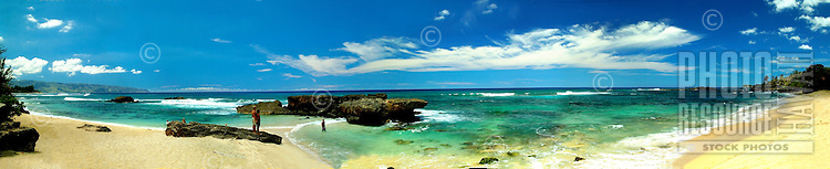 Panoramic view of North Shore beach