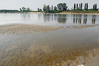 - exceptional low water of the Po river....- secca eccezionale del fiume Po