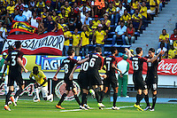 BARRANQUILLA- COLOMBIA, 25-03-2016:  Jugadores de EEUU celebran después que Luis Gil anotara gol a Colombia durante el encuentro (Categoría Sub 23) de ida por el repechaje por el último lugar para el Torneo Olímpico de Fútbol Rio 2016 jugado en el estadio Metropolitano Roberto Meléndez de Barranquilla ./ Players of USA celebrate after Luis Gil scored a goal to Colombia during the first leg match (Category U-23 ) for the playoff for the last spot to the Olympic Football Tournament Rio 2016 played at Roberto Melendez stadium in Barranquilla city. Photos: VizzorImage / Alfonso Cervantes / Str.  Photo: VizzorImage/Alfonso Cervantes/STR