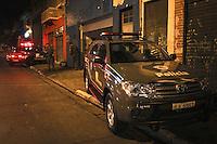 SAO PAULO, SP, 14 MARÇO 2013 - APREENSÃO DE DROGAS EM SAO PAULO - Grande quantidade de entorpecentes é apreendida no bairro do Belém na região leste na noite desta quarta-feira, 13. A Polícia Militar não divulgou a quantidade apreendida. (FOTO: ALE VIANNA / BRAZIL PHOTO PRESS).