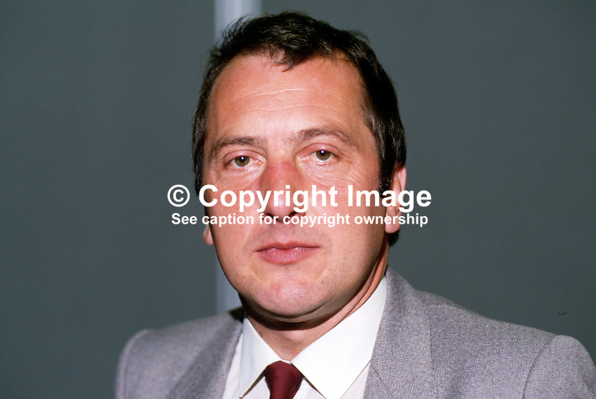 Ronald Davies, MP, Labour Party, UK, 19870928RD..Copyright Image from Victor Patterson, 54 Dorchester Park, Belfast, UK, BT9 6RJ..Tel: +44 28 9066 1296.Mob: +44 7802 353836.Voicemail +44 20 8816 7153.Skype: victorpattersonbelfast.Email: victorpatterson@me.com.Email: victorpatterson@ireland.com (back-up)..IMPORTANT: If you wish to use this image or any other of my images please go to www.victorpatterson.com and click on the Terms & Conditions. Then contact me by email or phone with the reference number(s) of the image(s) concerned.