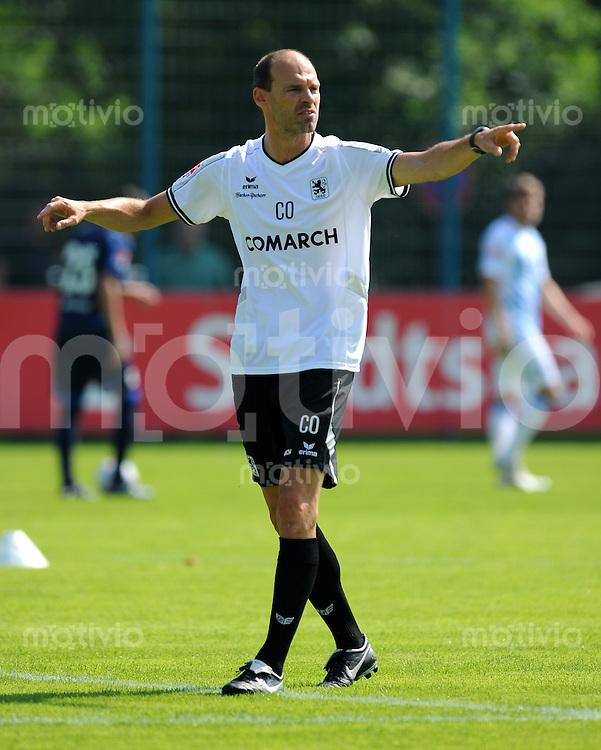 2. Fussball Bundesliga:  Saison   2010/2011   1860 Muenchen Trainingsauftakt   28.06.2010 Co Trainer Alexander Schmidt (1860 Muenchen)