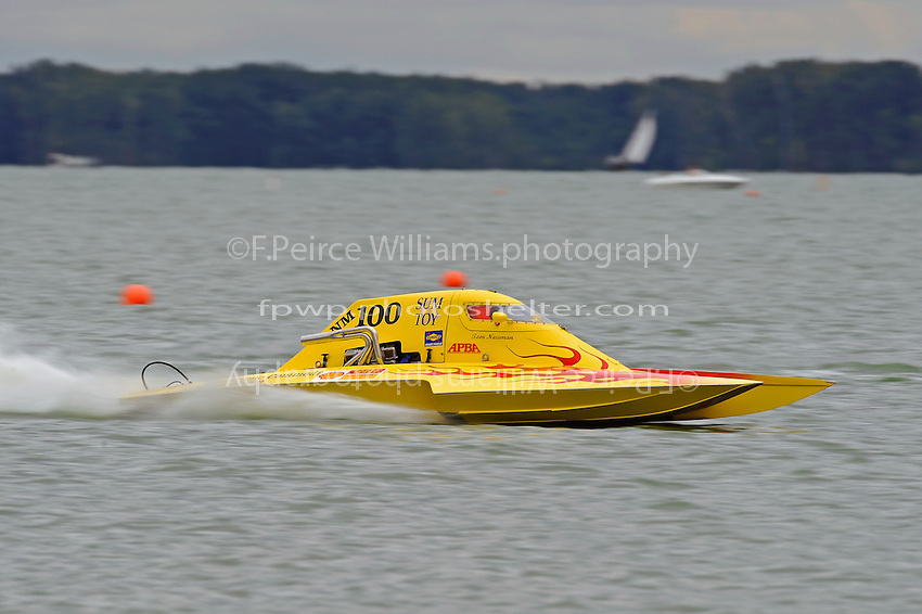 "Tom Newman, NM-100 ""Sum Toy"" (National Mod class hydroplane)"