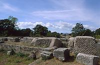 Italien, Umbrien, Ruinenfeld der römischen Siedlung Carsulae