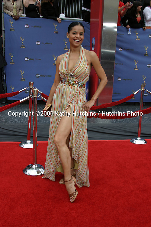 Victoria Rowell.33rd Daytime Emmy Awards.Kodak Theater.Hollywood & Highland.Los Angeles, CA.April 28, 2006.©2006 Kathy Hutchins / Hutchins Photo..