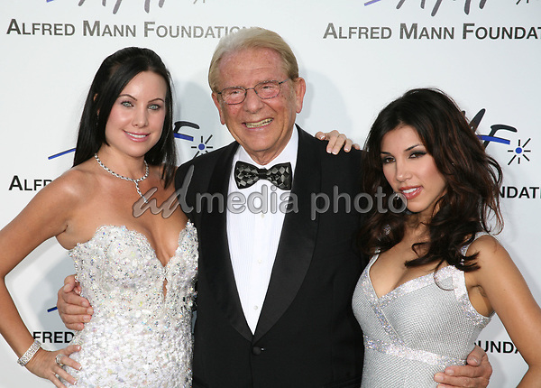 9 September 2006 - Beverly Hills, California. Cassandra Mann, Alfred Mann and Adrianna Costa. 3rd Annual Alfred Mann Foundation Innovation and Inspiration Gala Honoring Richard and Nancy Riordan. Photo Credit: Byron Purvis/AdMedia