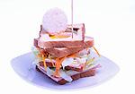 bocadillo de jamon dulce y queso con huevo frito<br /> Entrepa de pernil i formatge amb ou ferrat