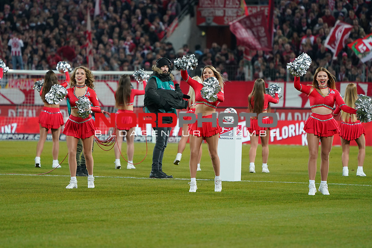 08.02.2019, RheinEnergieStadion, Koeln, GER, 2. FBL, 1.FC Koeln vs. FC St. Pauli,<br />  <br /> DFL regulations prohibit any use of photographs as image sequences and/or quasi-video<br /> <br /> im Bild / picture shows: <br /> die Cheerleader des 1. FC K&ouml;ln <br /> <br /> Foto &copy; nordphoto / Meuter