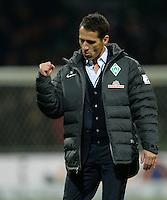 FUSSBALL   1. BUNDESLIGA   SAISON 2013/2014   11. SPIELTAG SV Werder Bremen - Hannover 96                         03.11.2013 Manager Thomas Eichin (SV Werder Bremen) jubelt nach dem Abpfiff