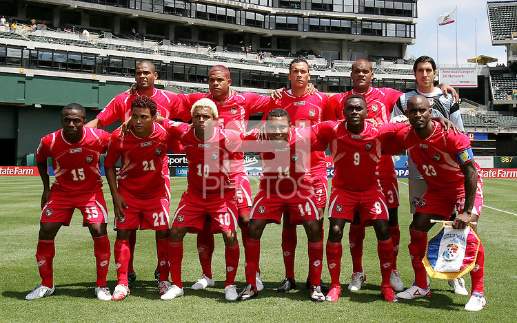 Panama Starting Eleven. Guadeloupe defeated Panama 2-1 during the First Round of the 2009 CONCACAF Gold Cup at Oakland Coliseum in Oakland, California on July 4, 2009.