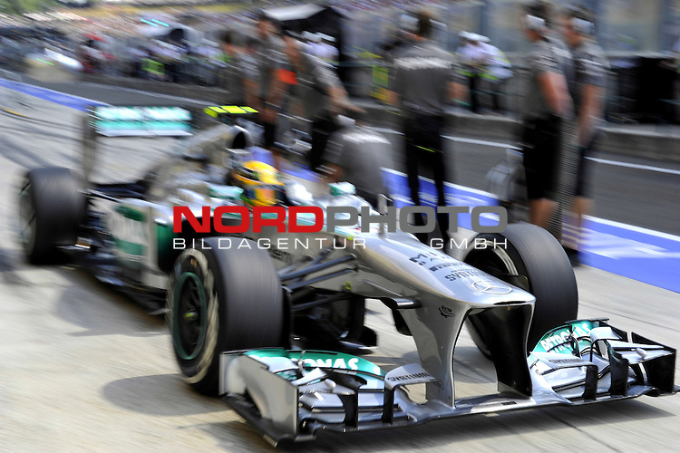 25. - 28.07.2013, Hungaroring, Budapest, HUN, F1, Grosser Preis von Ungarn, Hungaroring, im Bild  Lewis Hamilton (GBR), Mercedes GP <br />  Foto &not;&copy; nph / Mathis