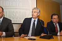 PESCARA (PE) 08/02/2013: ELEZIONI POLITICHE 2013, ANGELINO ALFANO INCONTRA I DIRIGENTI DEL PDL ABRUZZO A PESCARA PRESSO IL MUSEO DELLE GENTI. NELLA FOTO ANGELINO ALFANO E IL PRESIDENTE DELLA REGIONE ABRUZZO GIANNI CHIODI.  FOTO ADAMO DI LORETO