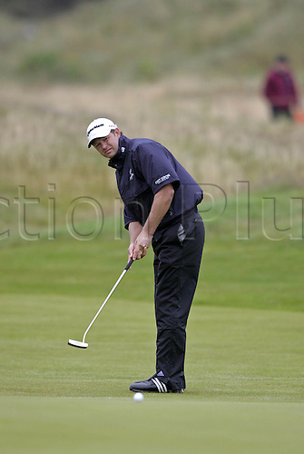 17 July 2008: South African golfer Retief Goosen (RSA) putting during the first round of the Open Championship at Royal Birkdale Photo: Neil Tingle/Action Plus..080717 golf