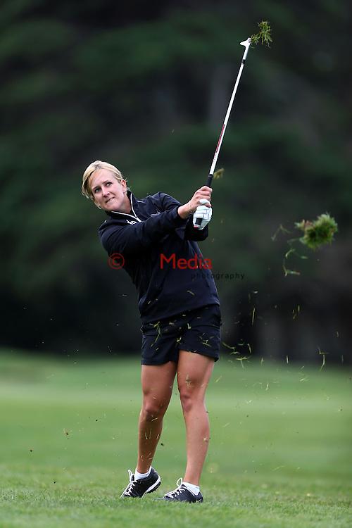 Zoe Brake. Espirito Santo Team Photoshoot, Royal Auckland Golf Course, Manukau, Auckland, Friday 8 August 2014. Photo: Simon Watts/www.bwmedia.co.nz <br /> All images &copy; NZ Golf and BWMedia.co.nz