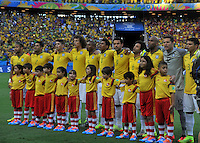 FORTALEZA - BRASIL -04-07-2014. Jugadores de Brasil (BRA) durante los actos protocolarios previo al partido de los cuartos de final con Colombia (COL)  por la Copa Mundial de la FIFA Brasil 2014 jugado en el estadio Castelao de Fortaleza./ Players of  Brazil (BRA) during the formal events prior the match of the Quarter Finals with Colombia (COL)  for the 2014 FIFA World Cup Brazil played at Castelao stadium in Fortaleza. Photo: VizzorImage / Alfredo Gutiérrez / Contribuidor
