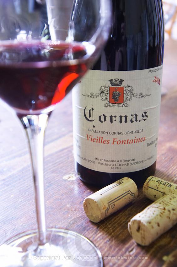bottle glass corks les vieilles fontaines dom a voge cornas rhone france