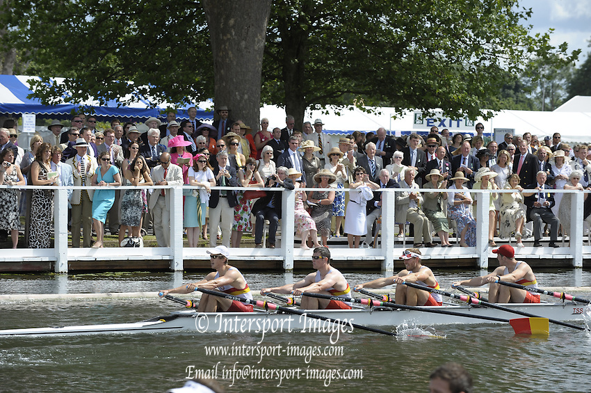 Henley, Great Britain. Tideway Scullers  School in a heat of the Prince of Wales Challenge  Cup.  2009 Henley Royal Regatta Friday 03/07/2009 at  [Mandatory Credit. Peter Spurrier/Intersport Images] . HRR.