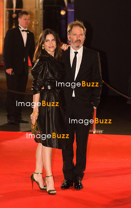 G&eacute;raldine Pailhas et Christopher Thompson &agrave; la 39&egrave;me c&eacute;r&eacute;monie des C&eacute;sar au th&eacute;&acirc;tre du Ch&acirc;telet &agrave; Paris, le 28 f&eacute;vrier 2014.<br /> G&eacute;raldine Pailhas and Christopher Thompson arrive at the 38th Cesar Ceremony (French movie awards) at Theatre du chatelet in Paris, France, on February, 28th 2014.