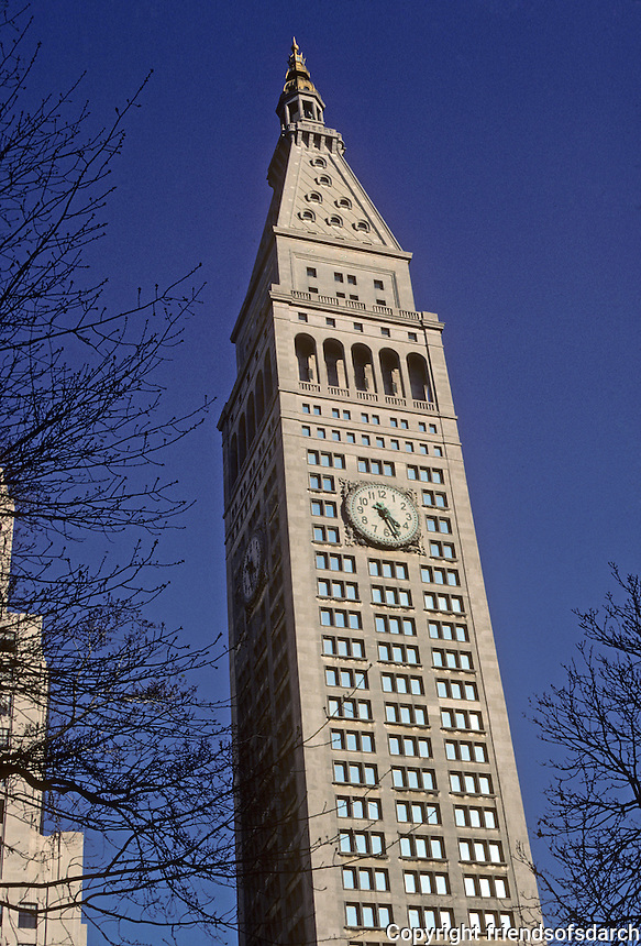 New York City: Metropolitan Life Tower, 1909. Napoleon LeBron & Sons. Photo '78.