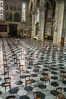 Cattedrale di Como, dal 18 maggio riprendono le funzioni religiose con i distanziamenti dei fedeli a causa del corona virus