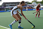 NED - Amsterdam, Netherlands, August 20: During the women Pool B group match between Germany (white) and England (red) at the Rabo EuroHockey Championships 2017 August 20, 2017 at Wagener Stadium in Amsterdam, Netherlands. Final score 1-0. (Photo by Dirk Markgraf / www.265-images.com) *** Local caption *** Selin Oruz #5 of Germany