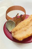 Europe/France/Bretagne/56/Morbihan/Kervignac: Aiguillette de saint-pierre au citron confit avec sa galette de blé noir, son crémeux de betterave rouge au vinaigre de framboise , recette d' Olivier Beurné  du Château de Locguenolé