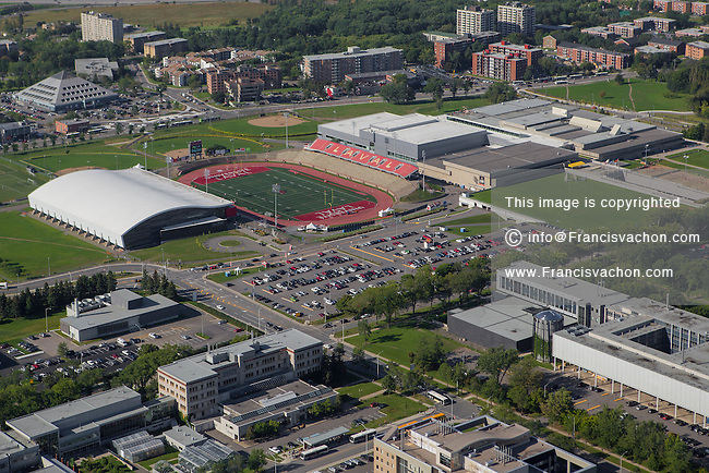 Stade telus du peps de l 39 universite laval aerial for Club piscine quebec city