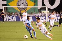 SANTOS, SP, 10 de MAIO DE- 2012_COPA SANTANDER LIBERTADORES- SANTOS X BOLIVAR -NEYMAR EM Lance durante partida. no estadio da Vila Belmiro  (FOTO: ADRIANO LIMA - BRAZIL PHOTO PRESS)