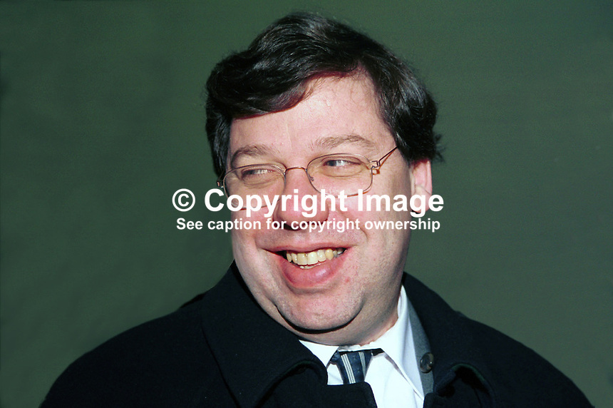 Brain Cowan,TD, Rep of Ireland, Dail, Irish Parliament, Minister for Foreign Affairs, taken at Fianna Fail (Rep of Ireland Political Party) Ard Fheis (annual party conference) March 2000. Ref: 2000030..Copyright Image from Victor Patterson, 54 Dorchester Park, Belfast, UK, BT9 6RJ..Tel: +44 28 9066 1296.Mob: +44 7802 353836.Voicemail +44 20 8816 7153.Skype: victorpattersonbelfast.Email: victorpatterson@mac.com.Email: victorpatterson@ireland.com (back-up)..IMPORTANT: If you wish to use this image or any other of my images please go to www.victorpatterson.com and click on the Terms & Conditions. Then contact me by email or phone with the reference number(s) of the image(s) concerned.