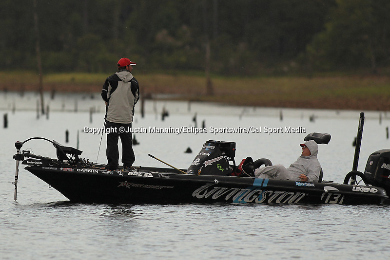 August 22, 2015: Stetson Blaylock working a wooded point area on day three of the Forrest Wood Cup on Lake Ouachita in Hot Springs, AR. Justin Manning/ESW/CSM