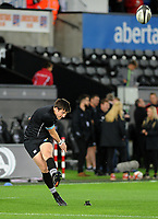Ospreys' Sam Davies during the pre match warm up<br /> <br /> Photographer Ashley Crowden/CameraSport<br /> <br /> Guinness Pro14 Round 6 - Ospreys v Scarlets - Saturday 7th October 2017 - Liberty Stadium - Swansea<br /> <br /> World Copyright &copy; 2017 CameraSport. All rights reserved. 43 Linden Ave. Countesthorpe. Leicester. England. LE8 5PG - Tel: +44 (0) 116 277 4147 - admin@camerasport.com - www.camerasport.com